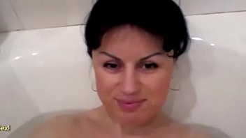Chunky MILF Nataly Masturbating In The Bath