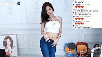 公众号【是小喵啦】韩国女主播尹素婉白衣牛仔裤热舞