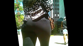 big ass tight pants = nice panty lines