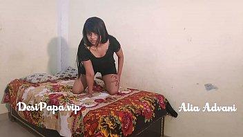 अलिअ अडवाणी बीवी की बहिन की नंगी वीडियो बना और ज़बरदस्त चुदाई की उस के रूम मई और गांड भी मरी