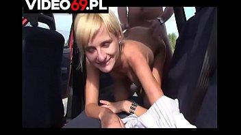 Polskie porno - Dymanie w kurewsko czerwonym fiacie Uno
