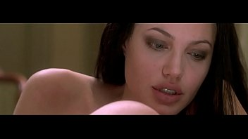 Angalena jolie wanted ass scene Angelina jolie original sin 2001