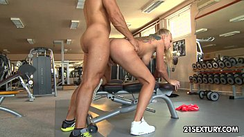 Blowjob and anal sex in a gym with Kayla Green