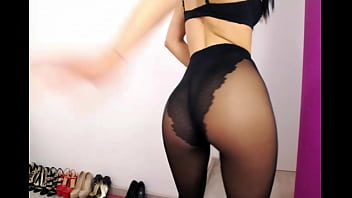 High vaginal ph itchng Super sexy cam girl back in black pantyhose