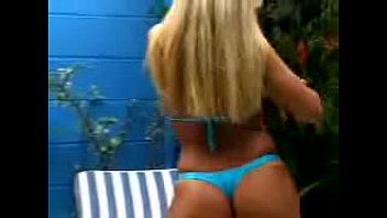 Hot Chat - Juliana e Samantha piscina