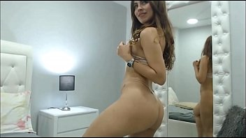 Very hot in her room- samanthabunny porn image