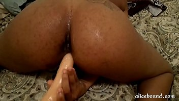 Sexy Ebony Girl Toys Her Pussy