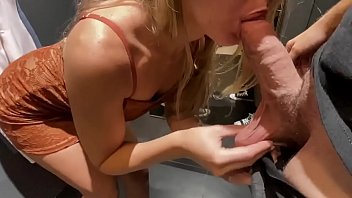 Amateur Teen gets fucked in dressing room porno izle