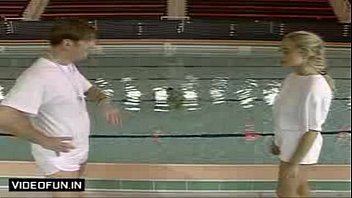 Mr. Bean Naked In Swimming Pool Very Funny (wapking.cc) video