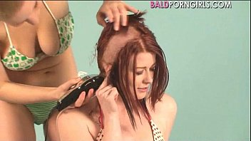 Heads shaved bald with clippers - Lesbian girl shaved her girlfriend head - baldporngirls.com