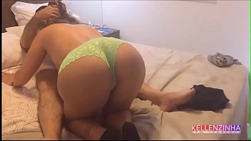 Teen ass and tities - Wife receives her uncle at home and fucks until she is roasted while her cuckold is crying with nerves - real strong cuckold - complete on red