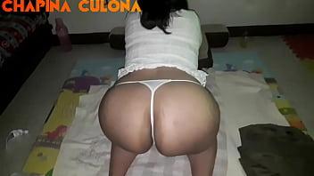 Culona de Guatemala teasing big ass. Modelando mi culote para que se suscriban a mi canal. Perrota Chapina