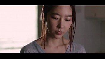 ดูหนังโป๊หนังเกาหลีหนังเก่า เงี่ยนก็เลยพาเพื่อนไปเย็ดกัน เสียวสุดๆ