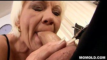Mature pussy fucked hard thumbnail