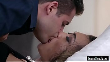 Kissing shemale Big juggs shemale venus lux anal slammed by nasty dude