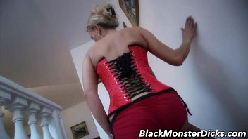 Amateur MILF Anal Fucked by Black Dick
