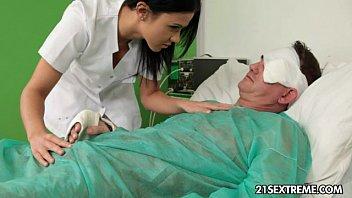 Denise Sky engagierte Krankenschwester