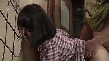 Den japanske dukken vakre er ødelagt av svigerfaren