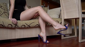 Long legs and sexy shoes - Sexy feet dangling