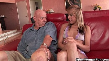 Soccer mom Desire Moore gets creampied