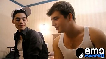 Cute young gay enjoys oral session before being analfucked