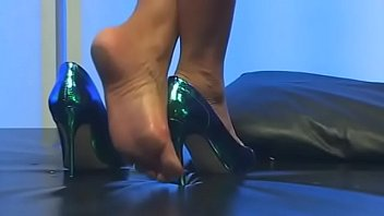 Cams4free.net - Sexy High Heels Stiletto and Feet thumbnail