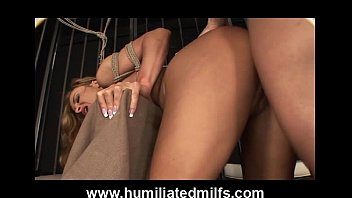 Naked bodybuilder girls ◦ milf roughly fucked in cage thumbnail