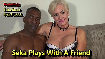Seka Plays With A Friend porno izle