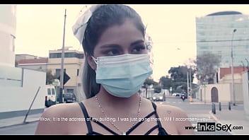 MODELO PERUANA sorprendida por su vecino acosador en las calles de Lima