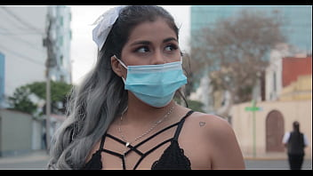 Peruvian model caught by her stalker neighbor in Lima streets