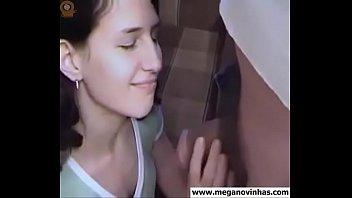 Novinha Perdendo o Cabaço www.MegaNovinhas.com