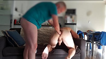 Fisting gay porn - Top stretches bottoms hole between fucks
