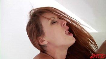 Рыжая баба Карли Монтана порно фото