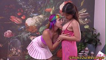 Aussie lesbianwith rainbow hair gets rimmed