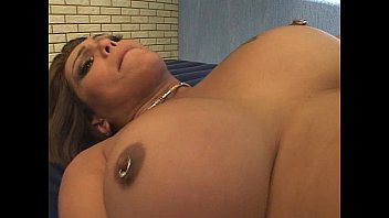 Shemale foot fuck and suck cock 25分钟