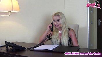 Deutsche Escort Agentur - Blonde Chefin muss selbst ficken mit anal creampie und arsch zum Mund Vorschaubild