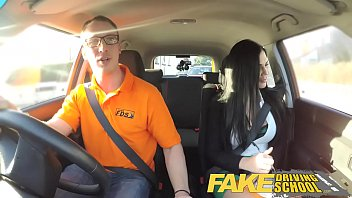 Fake Driving School Male Learner fucking his female driving examiner 15分钟