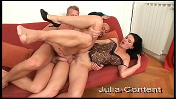 Gay men do threesome with a woman