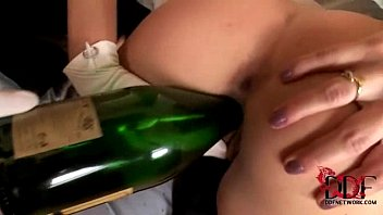 Champagne chicago escort - A nye party to remember with anita pearl and suzie carina
