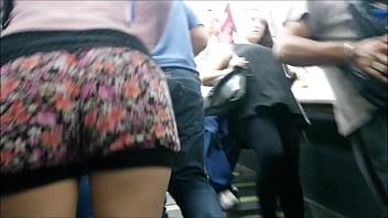 Culona en Estación de subte Argentina 2