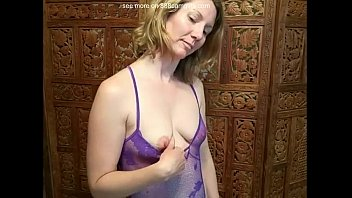 Amateur MILF Strips  Striptease Porn webcam webcams