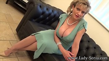 Lady Sonia An English Housewifes Visitor Thumb