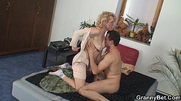 Real old 90 pussy She gives up her old pussy for him