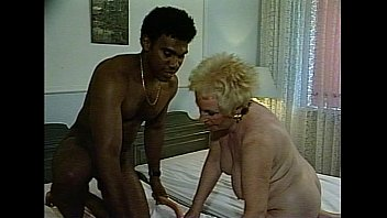 JuliaReaves-DirtyMovie - Alt Aber Super Geil - scene 2 - video 3 brunette naked sexy nude girls
