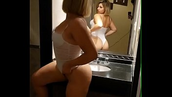 I caught my stepsister and creampie her on the sink