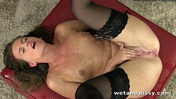 Self pee boy - Gorgeous self pee from stocking wearing brunette