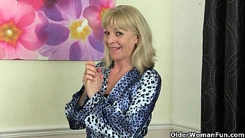 Free videos of nude granny english Elaine collection