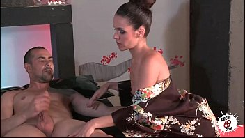 LECHE 69 Latin Masseuse with a happy ending Image