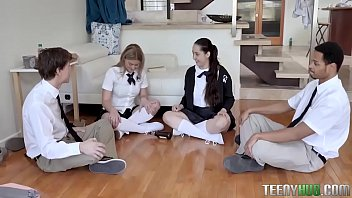 Serena Avery Fucked her classmate LIVE