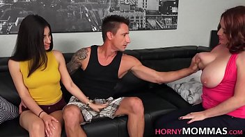 Streaming Video Stepmom milf rides cock - XLXX.video